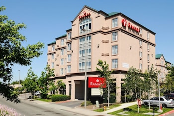 Hotel - Ramada by Wyndham SeaTac Airport