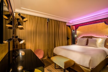 Deluxe Double Room (Light my fire)