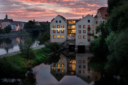 __{offers.Best_flights}__ Sorat Insel-Hotel Regensburg