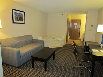 Luxury Suite, 1 King Bed with Sofa bed, Non Smoking, Jetted Tub