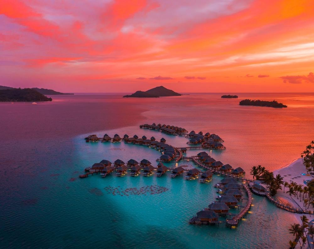 https://i.travelapi.com/hotels/1000000/560000/558800/558749/7e3be0b1_z.jpg