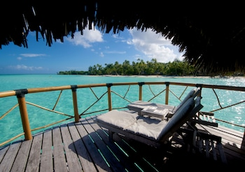 Bungalow, Overwater (End of Pontoon)