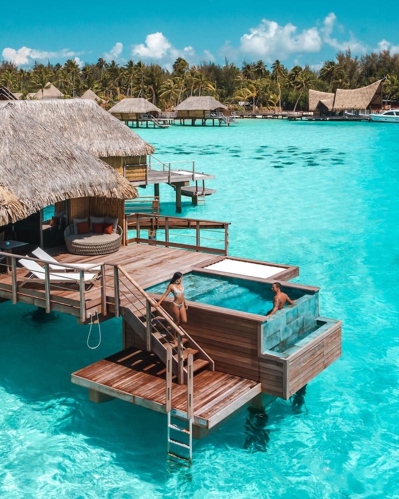 https://i.travelapi.com/hotels/1000000/560000/558800/558749/a59e28f5_z.jpg