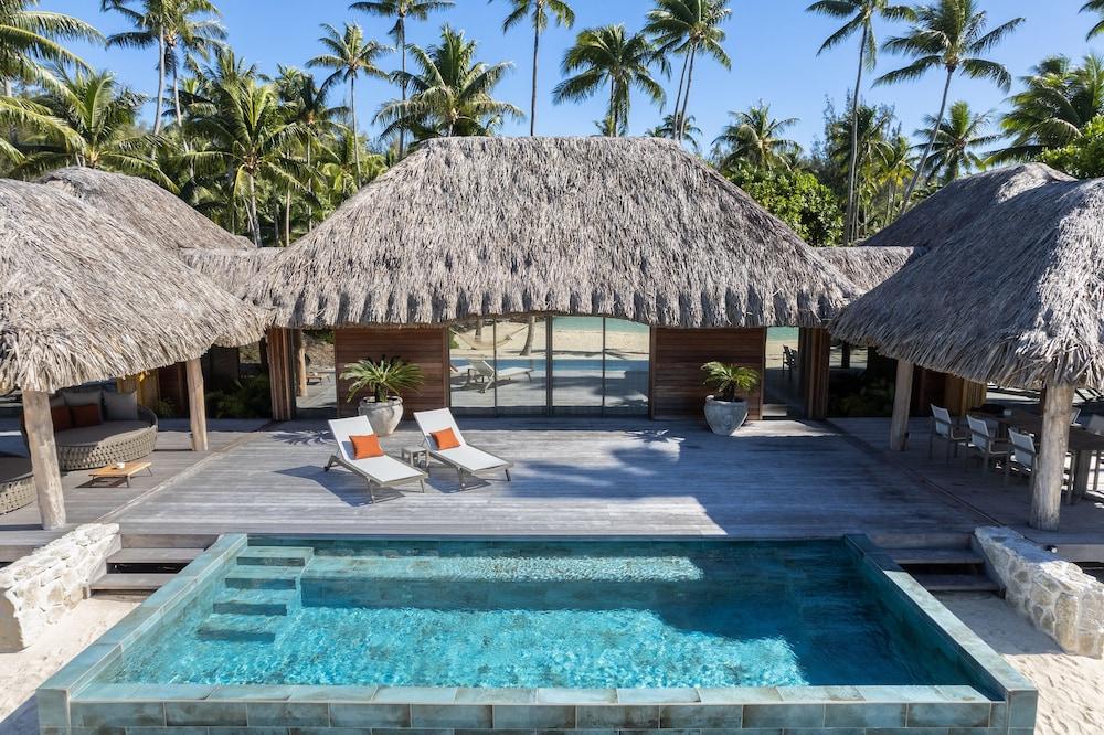 https://i.travelapi.com/hotels/1000000/560000/558800/558749/d1db00ab_z.jpg