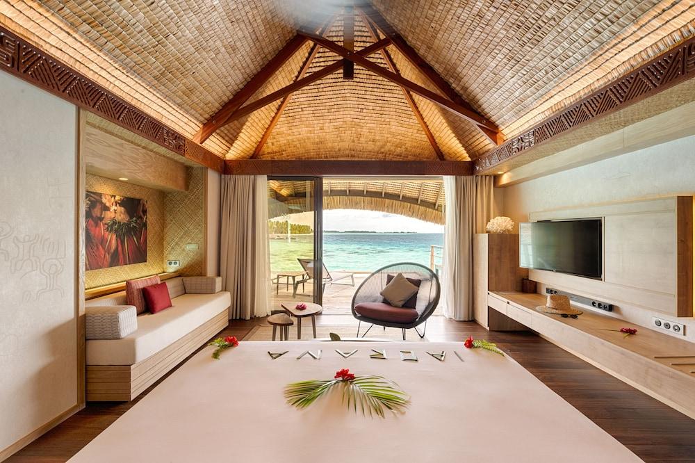 https://i.travelapi.com/hotels/1000000/560000/558800/558749/dae9cf65_z.jpg