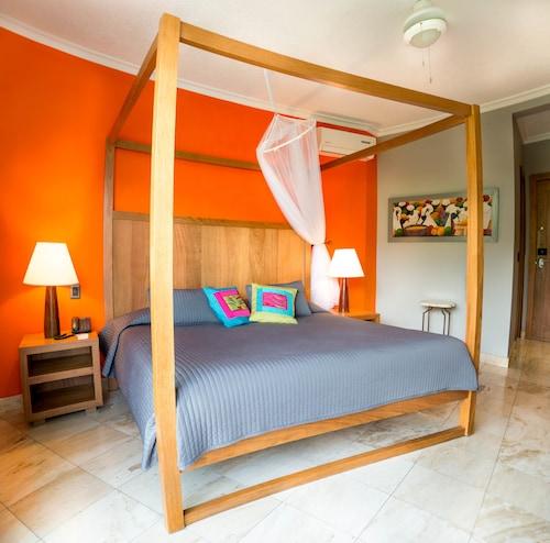 . Hotel Montana