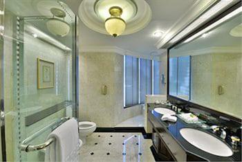 Evergreen Laurel Hotel Bangkok - Bathroom  - #0