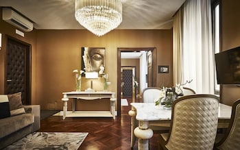 Family Suite (Panoramic Senior - Via Condotti 91)