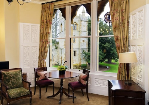 . Ettington Park Hotel