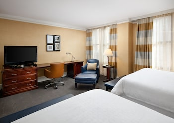 Room, 2 Queen Beds (Club Lounge Access)