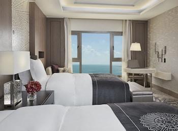 Club Room, Sea View (Intercontinental)