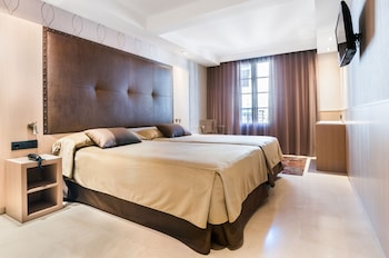 Gran Hotel Barcino photo