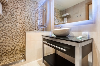 Gran Hotel Barcino - Bathroom Shower  - #0