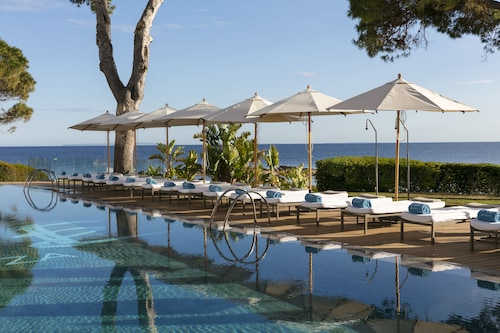 __{offers.Best_flights}__ ME Ibiza - The Leading Hotels of the World