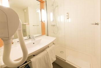 ibis Limoges Centre - Bathroom  - #0