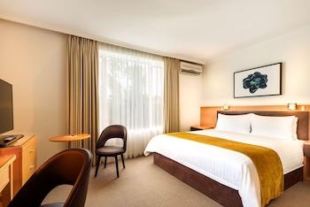 貝斯特韋斯特旅行飯店 Best Western Plus Travel Inn Hotel