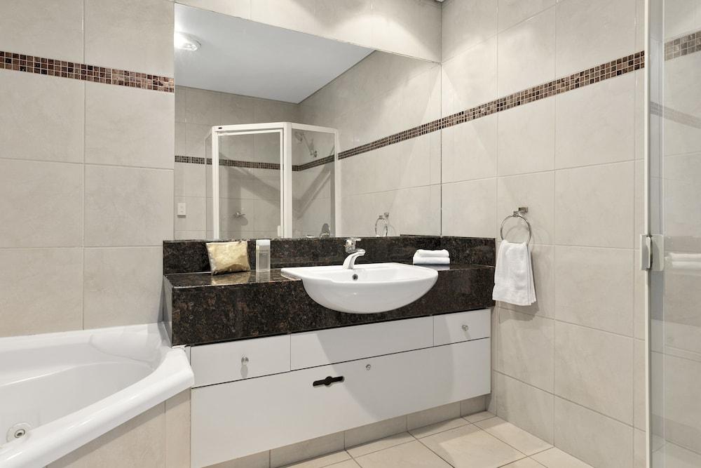 퀄리티 호텔 파크레이크 셰퍼턴(Quality Hotel Parklake Shepparton) Hotel Image 38 - Bathroom