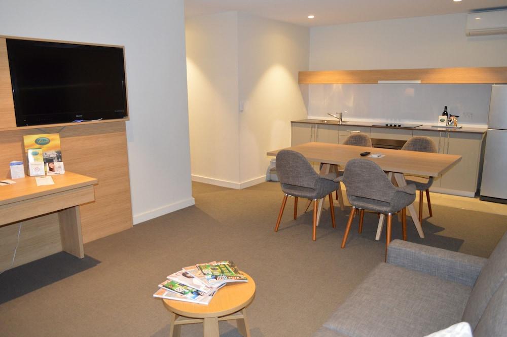 퀄리티 호텔 파크레이크 셰퍼턴(Quality Hotel Parklake Shepparton) Hotel Image 33 - Living Area
