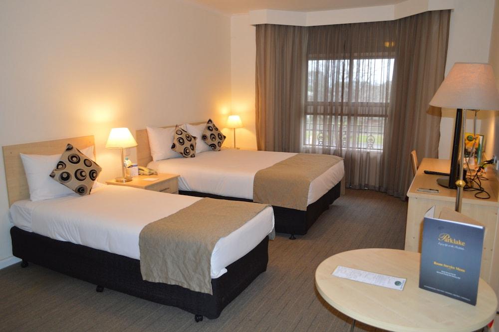 퀄리티 호텔 파크레이크 셰퍼턴(Quality Hotel Parklake Shepparton) Hotel Image 6 - Guestroom