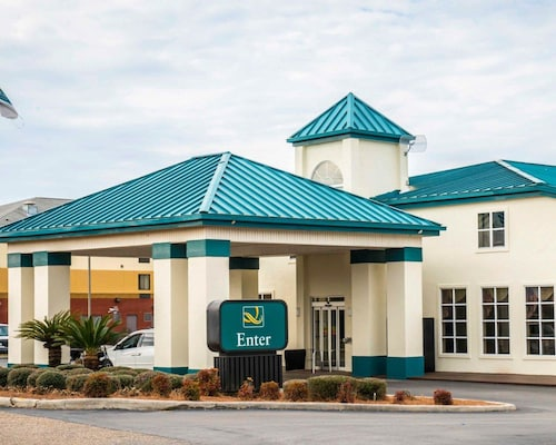 . Quality Inn Chipley I-10 at Exit 120