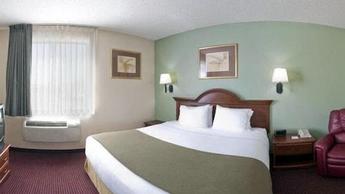 . Brownwood Express Inn & Suites