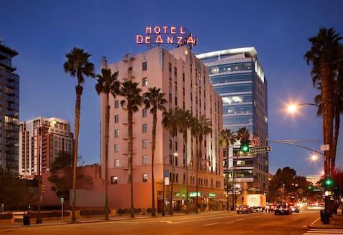 . Hotel De Anza