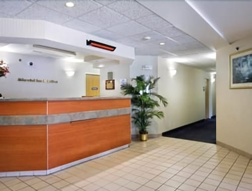 Americas Best Value Inn & Suites-Racine, Racine