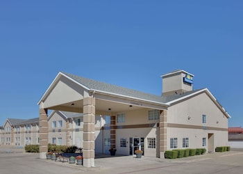 Hotel - Days Inn by Wyndham Mesquite Rodeo TX