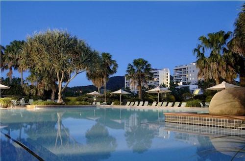 . Pacific Bay Resort