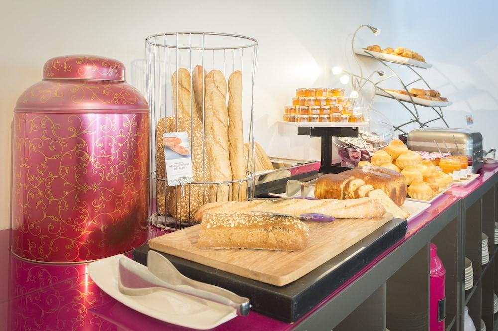 파리 가성비 호텔 머큐어 파리 상트르 투르 에펠 조식 빵