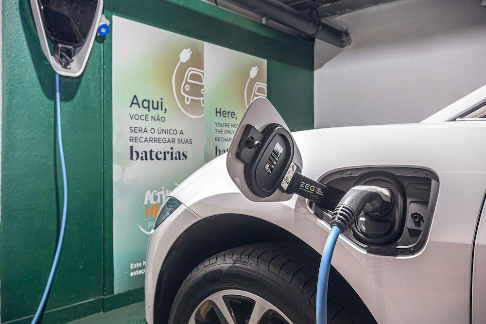 電動車充電站