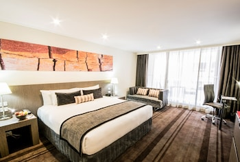 Executive Room, 1 King Bed, Balcony (Special: Free Parking or Free BF)
