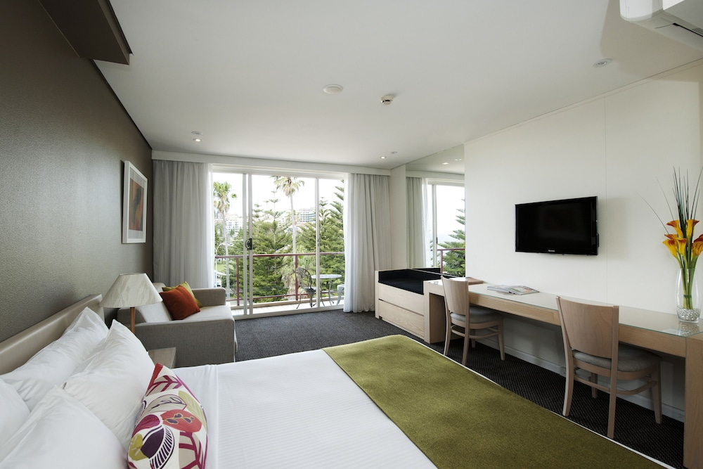 Coogee Sands Hotel and Apartments, Randwick