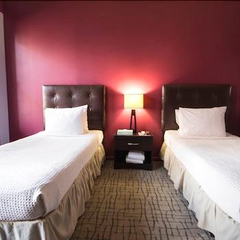 Standard Twin Room, Shared Bathroom