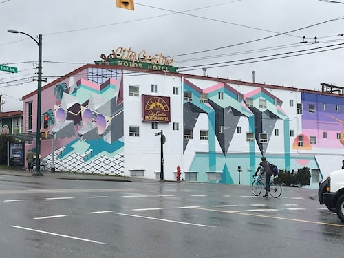 City Centre Motor Hotel, Greater Vancouver