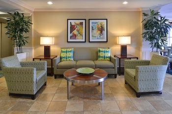 Lobby at SpringHill Suites by Marriott Charleston Downtown Riverview in Charleston