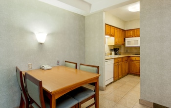 Suite, 2 Bedrooms, Non Smoking, Kitchen