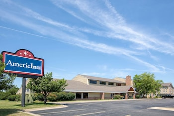 AmericInn by Wyndham Coralville photo