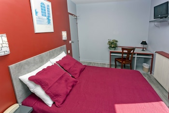 Double Room, 2 Bedrooms (Adjacent)