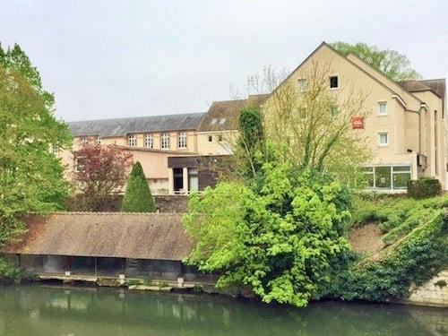 . ibis Chartres Centre Cathédrale