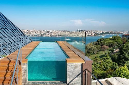. The Ritz-Carlton, Istanbul