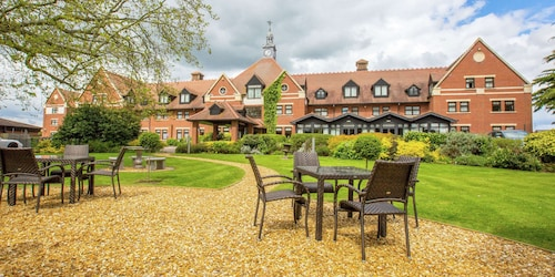 . The DoubleTree by Hilton Stratford-upon-Avon