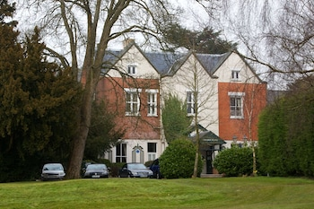 Hotel - Coulsdon Manor Hotel and Golf Club