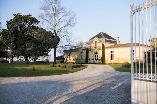 __{offers.Best_flights}__ Château Cordeillan-Bages