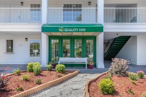 . Quality Inn Cheraw