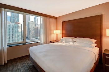 Suite, 1 King Bed with Sofa bed, City View