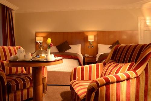 . Clanree Hotel & Leisure Centre