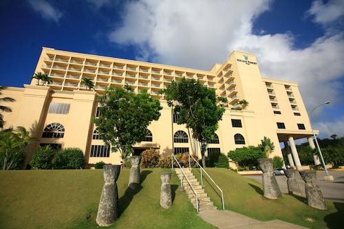 . Holiday Resort & Spa Guam