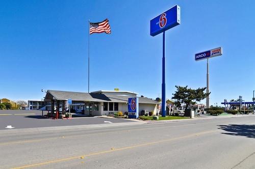 . Motel 6 Willows, CA