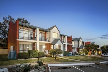 Tamworth Vacations - Quest Tamworth - Property Image 1